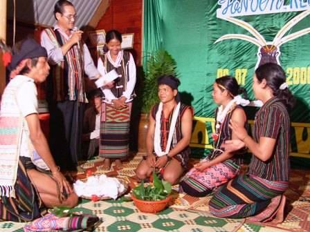 Lễ cưới người MNông,le cuoi nguoi mnong